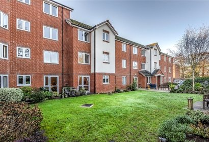 for sale laburnum court london 1023 - Gibbs Gillespie