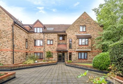 for sale bell view manor london 1054 - Gibbs Gillespie