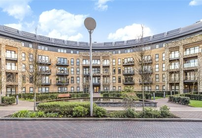 for sale royal court london 2855 - Gibbs Gillespie