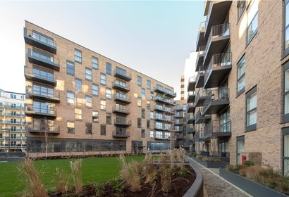 sale agreed lyon square london 3648 - Gibbs Gillespie