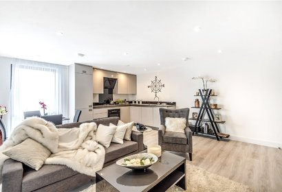 for sale la reve london 3664 - Gibbs Gillespie