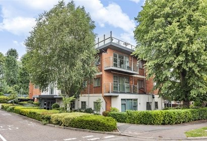 for sale cloisters court london 4046 - Gibbs Gillespie