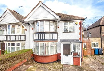 for sale princes drive london 529 - Gibbs Gillespie