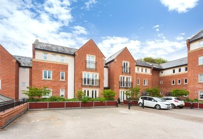 sale agreed gilbert scott court london 820 - Gibbs Gillespie