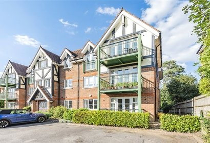 for sale maplewood court london 8465 - Gibbs Gillespie