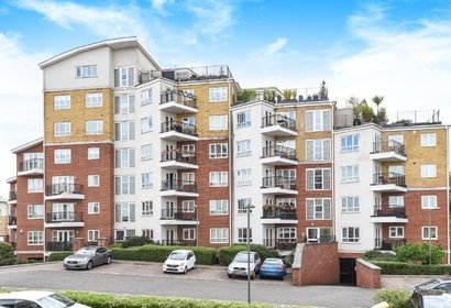 let agreed the gateway london 8526 - Gibbs Gillespie