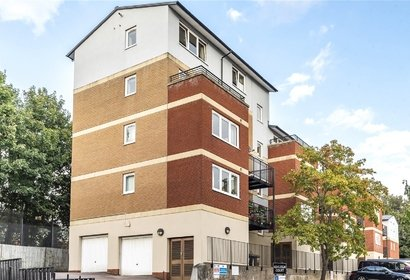 for sale penn place london 8799 - Gibbs Gillespie