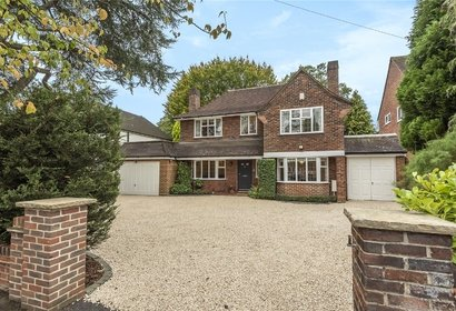 sale agreed st. martins approach london 8974 - Gibbs Gillespie