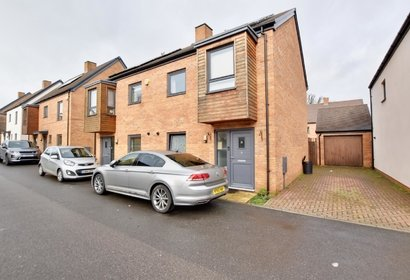 let agreed deblin drive london 9896 - Gibbs Gillespie