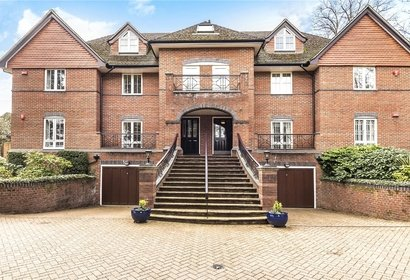 sale agreed park house london 9956 - Gibbs Gillespie