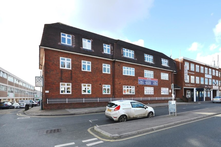 let agreed field end road london 1416 - Gibbs Gillespie