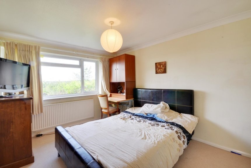 let agreed ross way london 2115 - Gibbs Gillespie