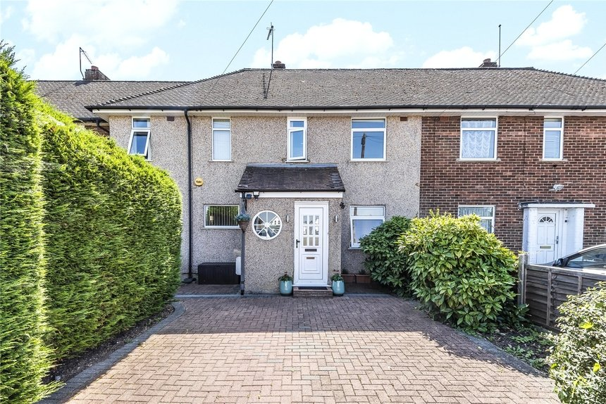 for sale brackenbridge drive london 4386 - Gibbs Gillespie