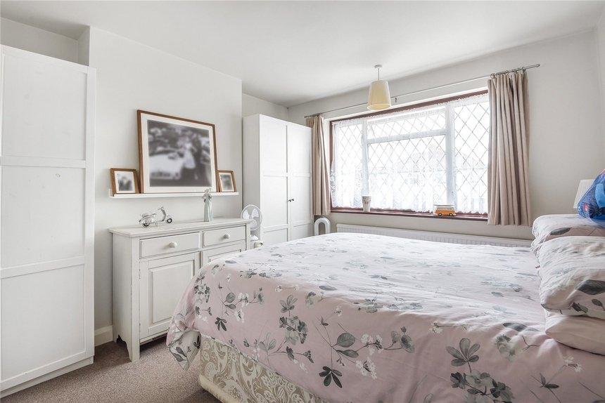 for sale balmoral drive london 8541 - Gibbs Gillespie